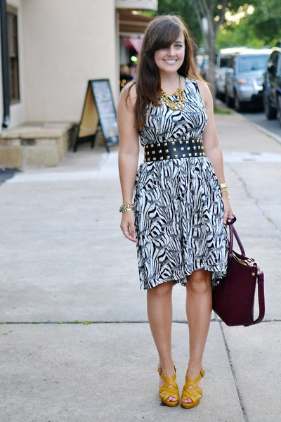 12 :: Tea Length Dresses