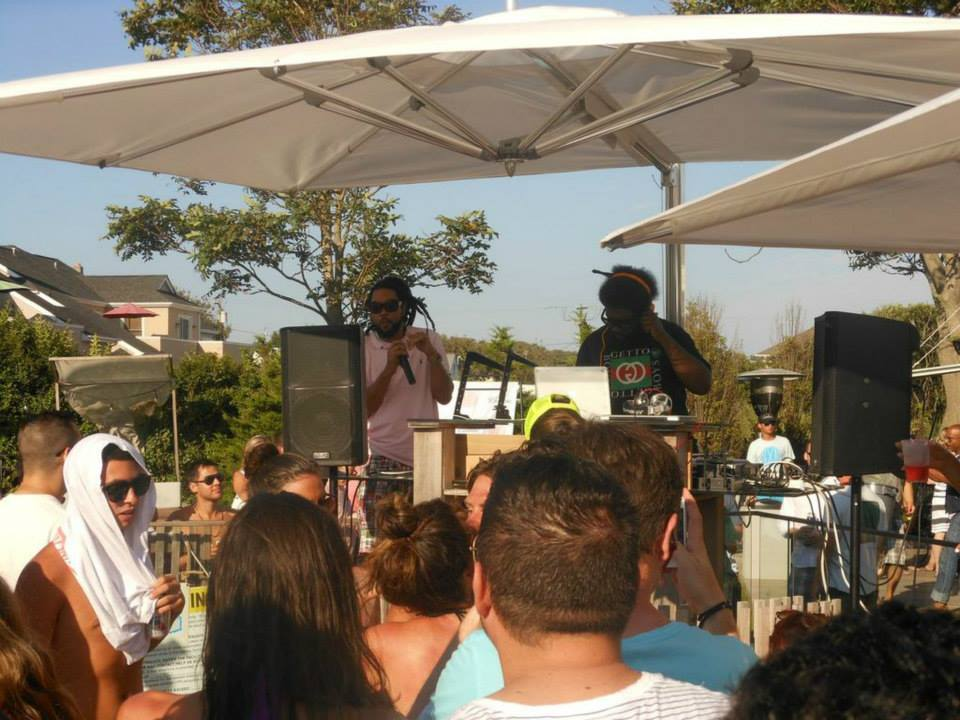 Questlove performing at Sound Waves