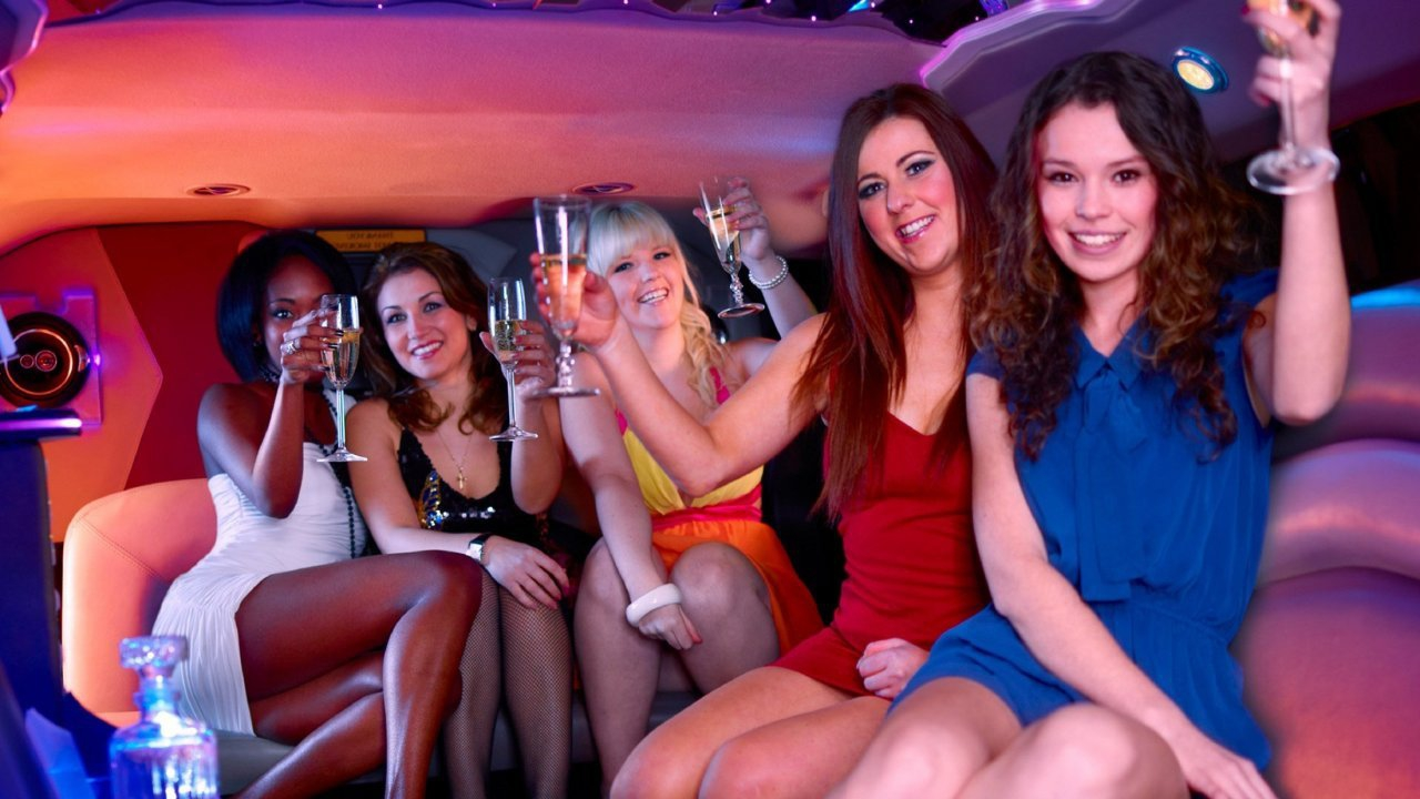 girl-friends-vegas.jpg