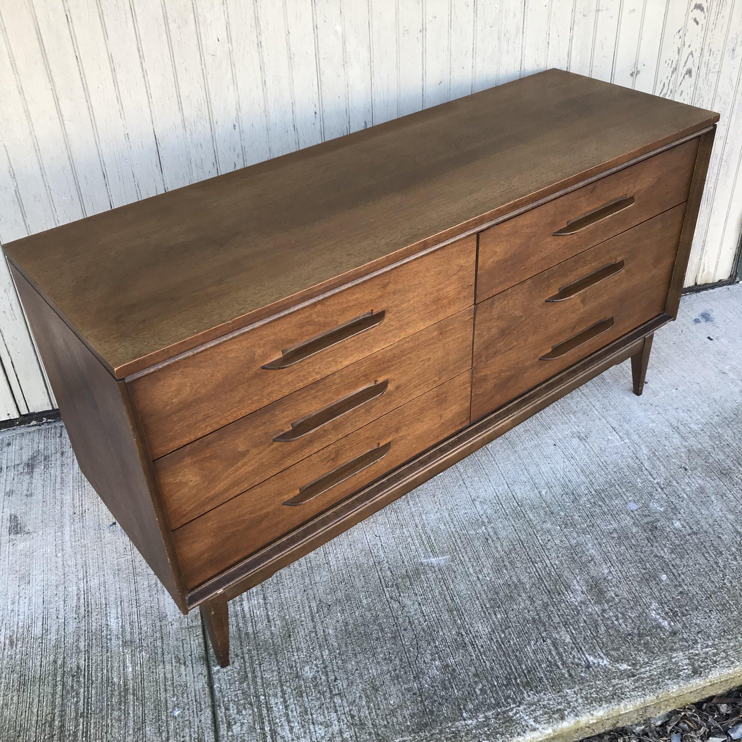 Image of: Midcentury Modern Double Dresser By Bassett Repop
