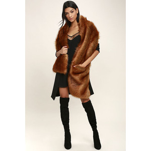 GET THE LUXE BROWN FAUX FUR STOLE LULUS
