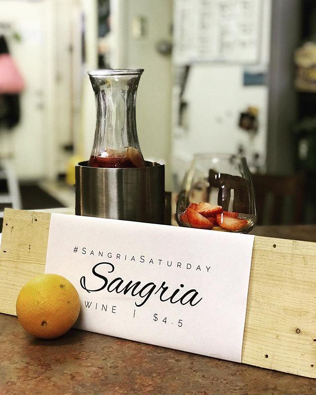 #SangriaSaturday 🍷: Pomegranate Zinfandel . . . #pomegranate #zinfandel #pomagranatezinfandel #wine #localwine #winery #urbanwinery #columbus #cbus #614 #ohiowine #tasteohio