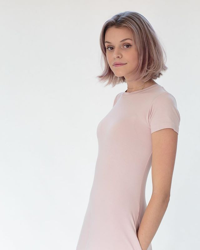 The Mali Dress . #yeezymademeblush #handmade #blush #pockets #dresswithpockets #madeincanada #ssi #bamboo #tshirtdress #portrait #photography #local #sustainable #ethicalfashion