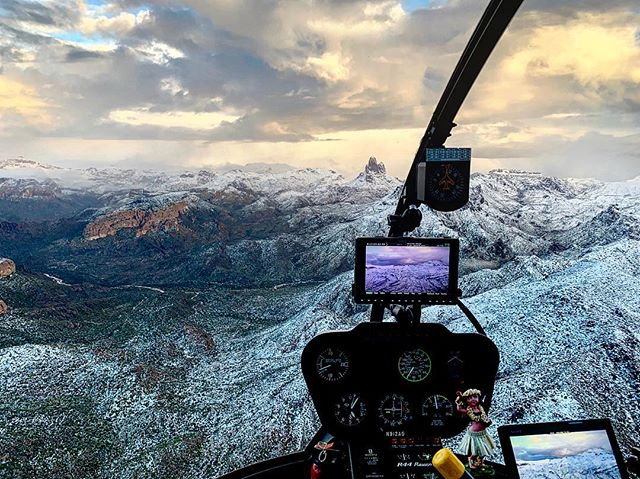 Today's weather did not disappoint!!! #epicweather #phxweather #seearizona #r44 #newschopper #snowinthedesert #superstitions #susperstitionmountains #winterweather #sunsetflight #arizonaisamazing #azcollective #ig_arizona #visitarizona #oharizona #weatherphotography #igsouthwest #snow #mountains #winterwonderland #cbs5az #azfamily #instagramaz