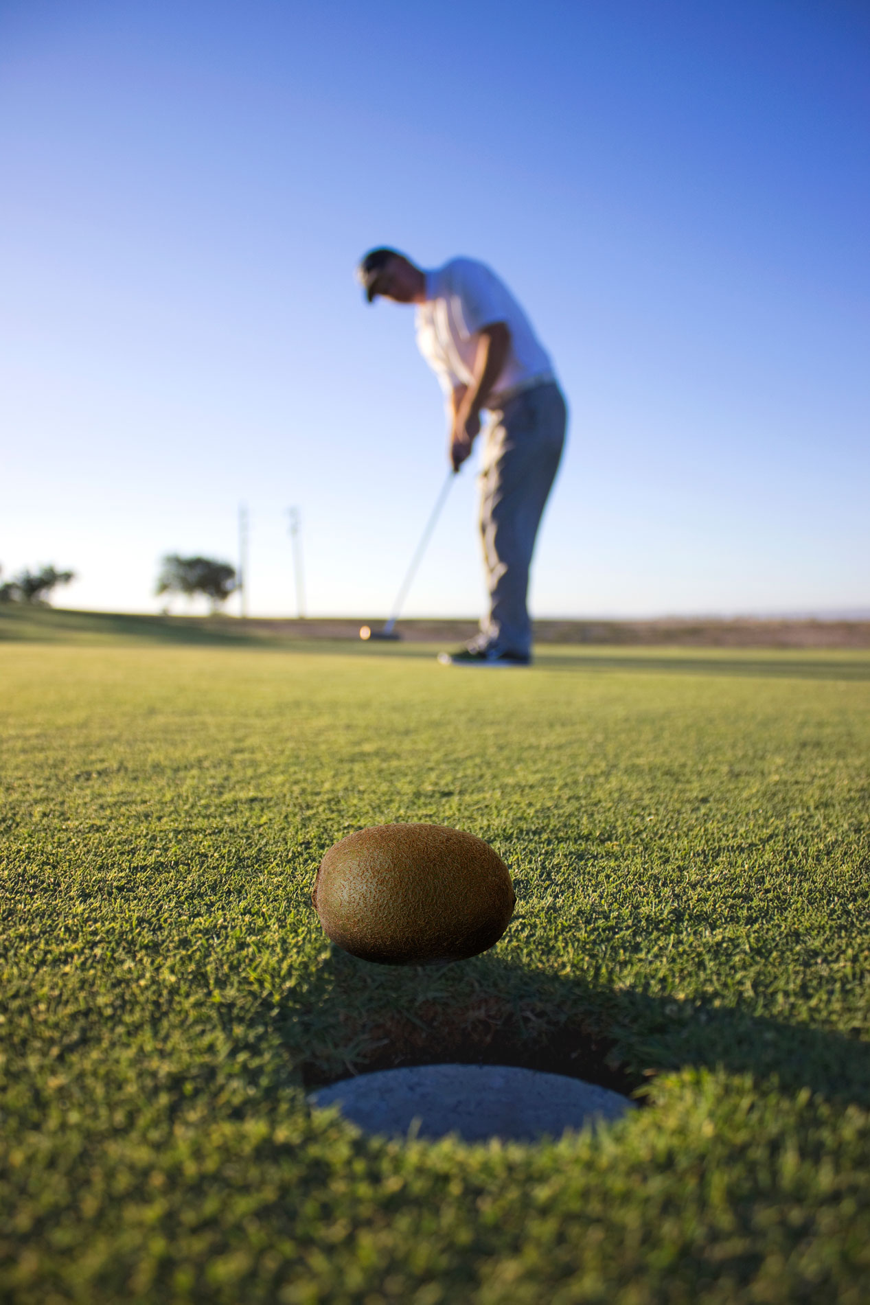The Kiwi Putt - Ever company charity golf event features the legendary