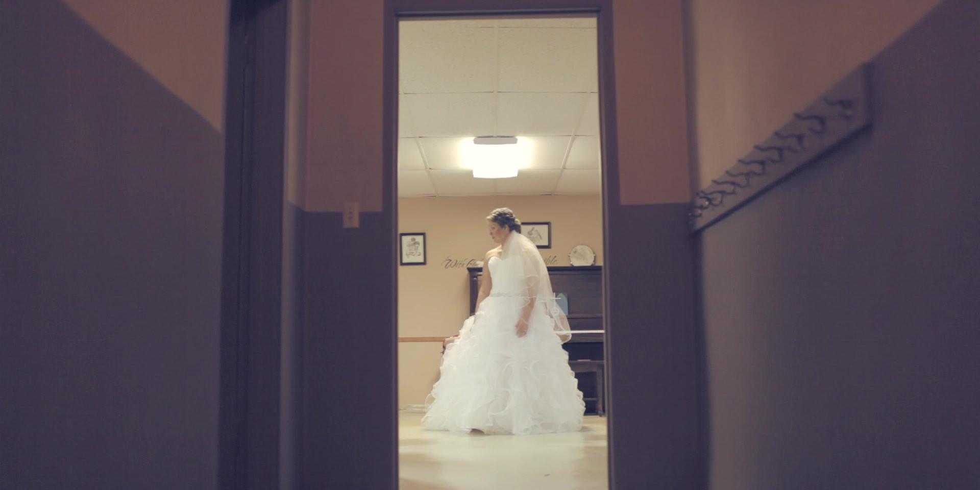 eric&lindsey wedding story.mp4-still00004.jpg