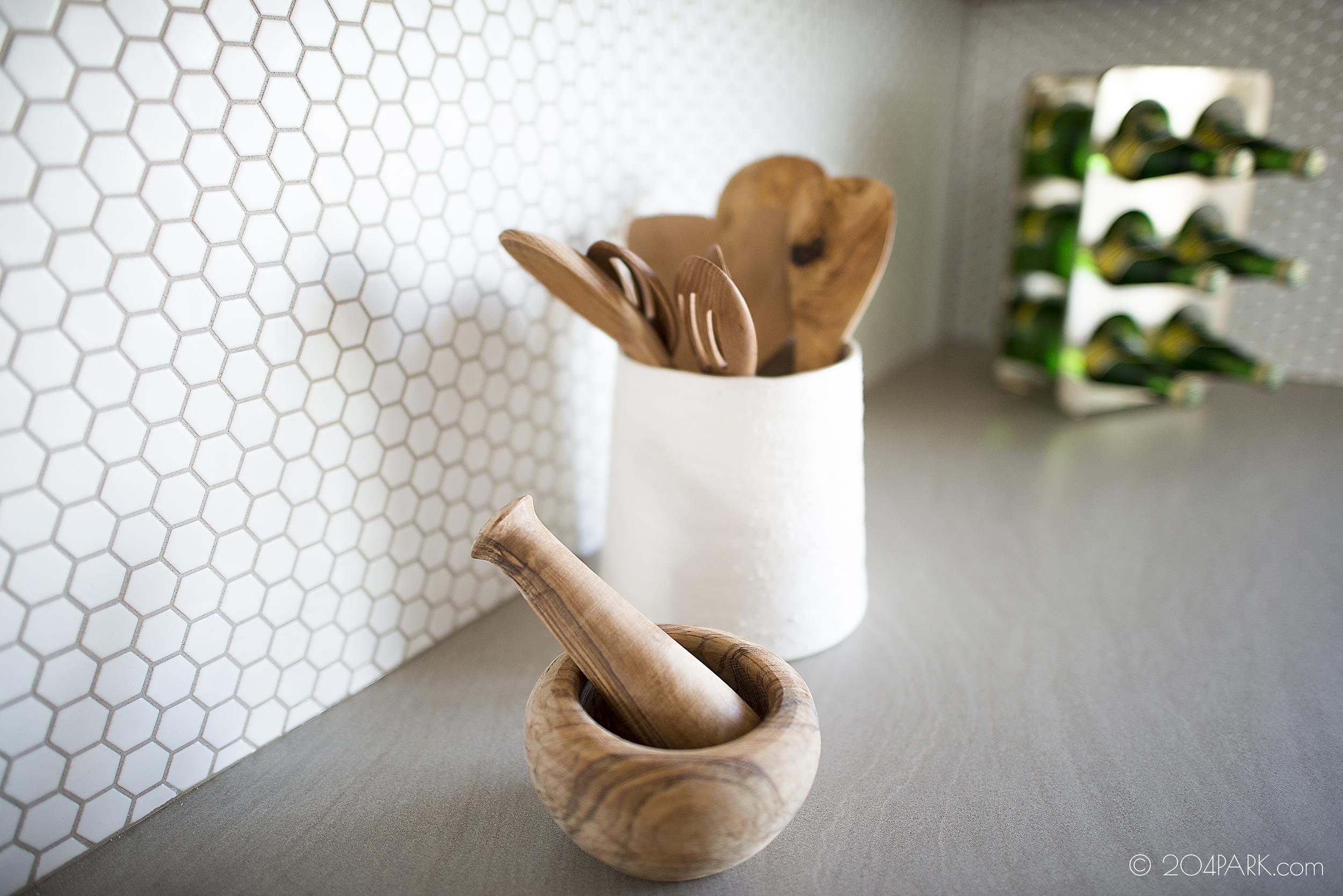 7b_kitchen detail.jpg
