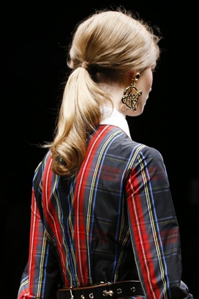 hair-styles-and-looks-for-fall-winter-2014-low-pony-tail.jpg