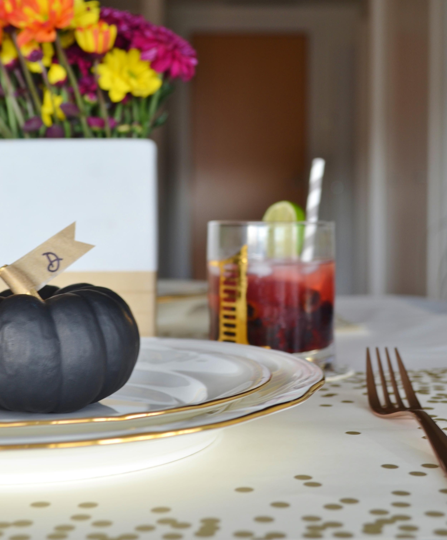 thanksgiving table setting (3).jpg