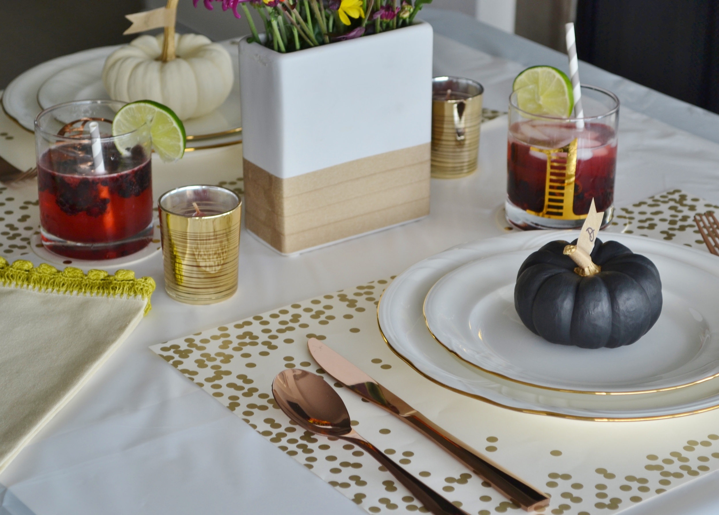 thanksgiving table setting (4).jpg