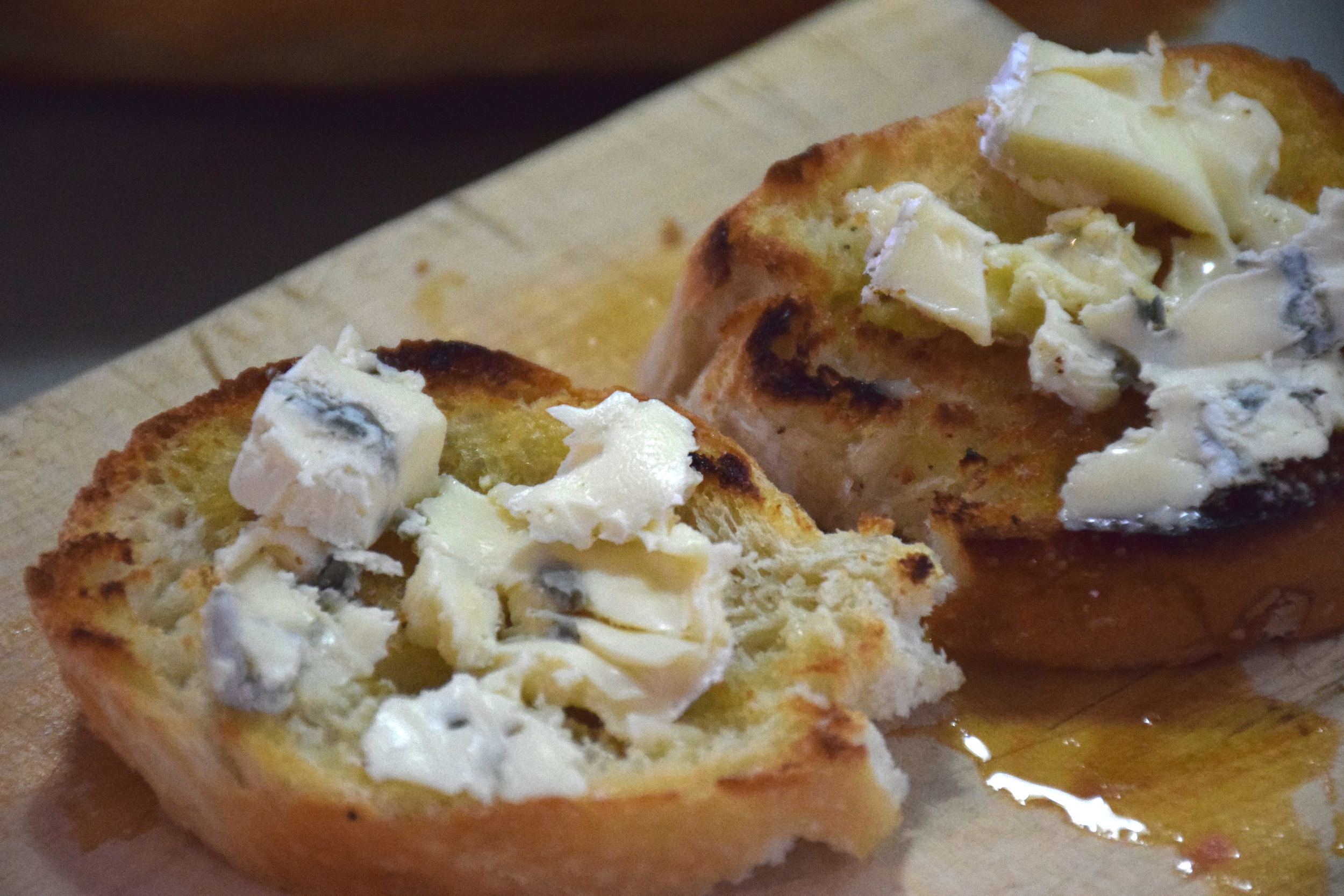 blue cheese and grapefruit croistini 6.jpg