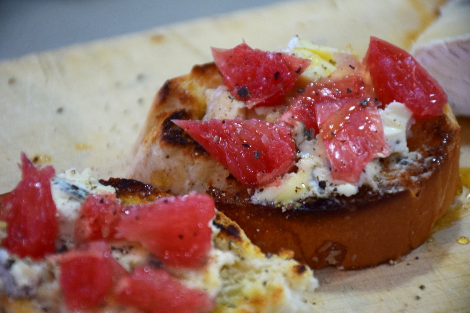 blue cheese and grapefruit croistini 9.jpg