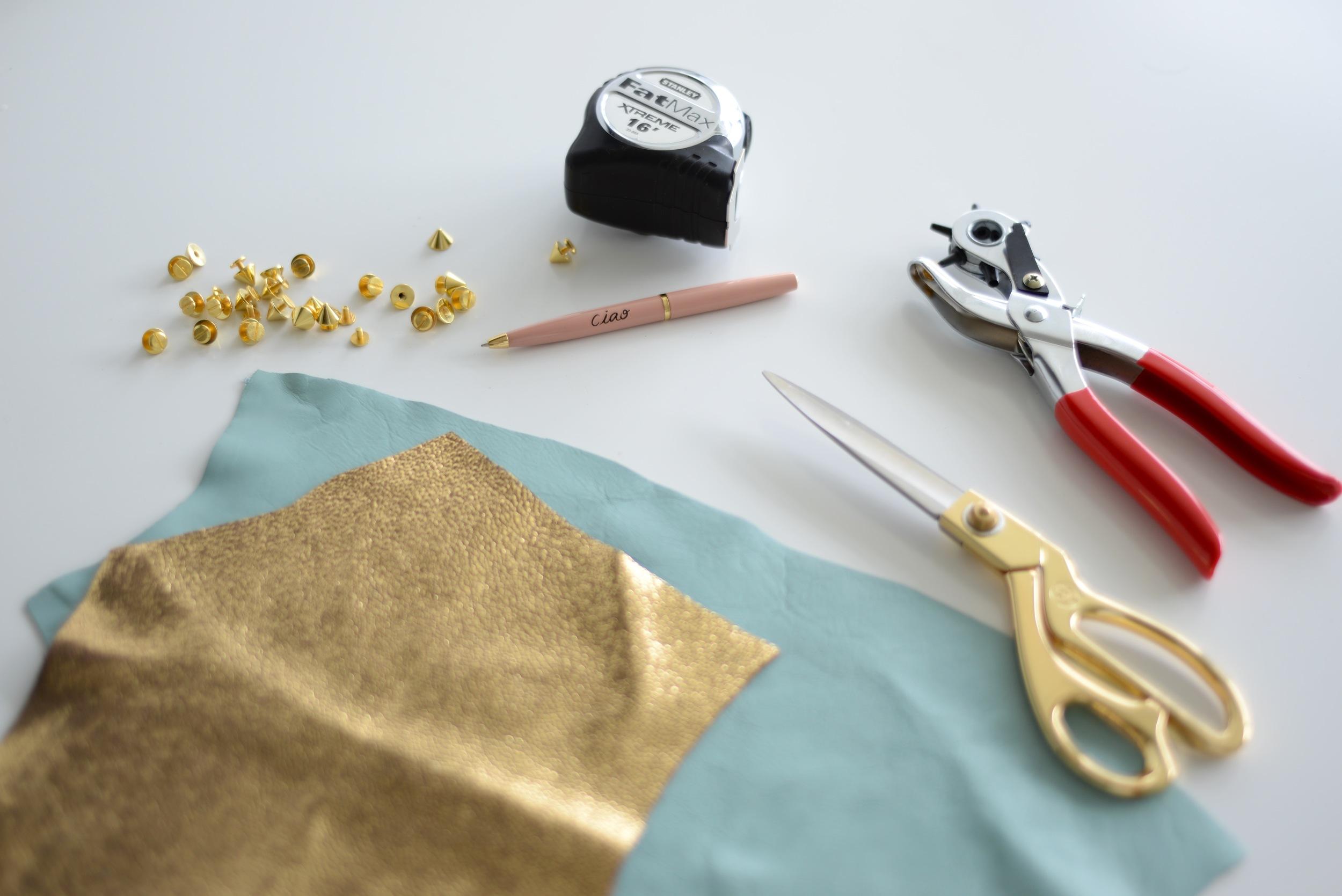 Diy, diy blog, easy diy, poppy barley, poppy barley leather, leather diy, trinket tray diy, jewellrey dish DIY, easy DIY, diy blogger, Canadian diy blog