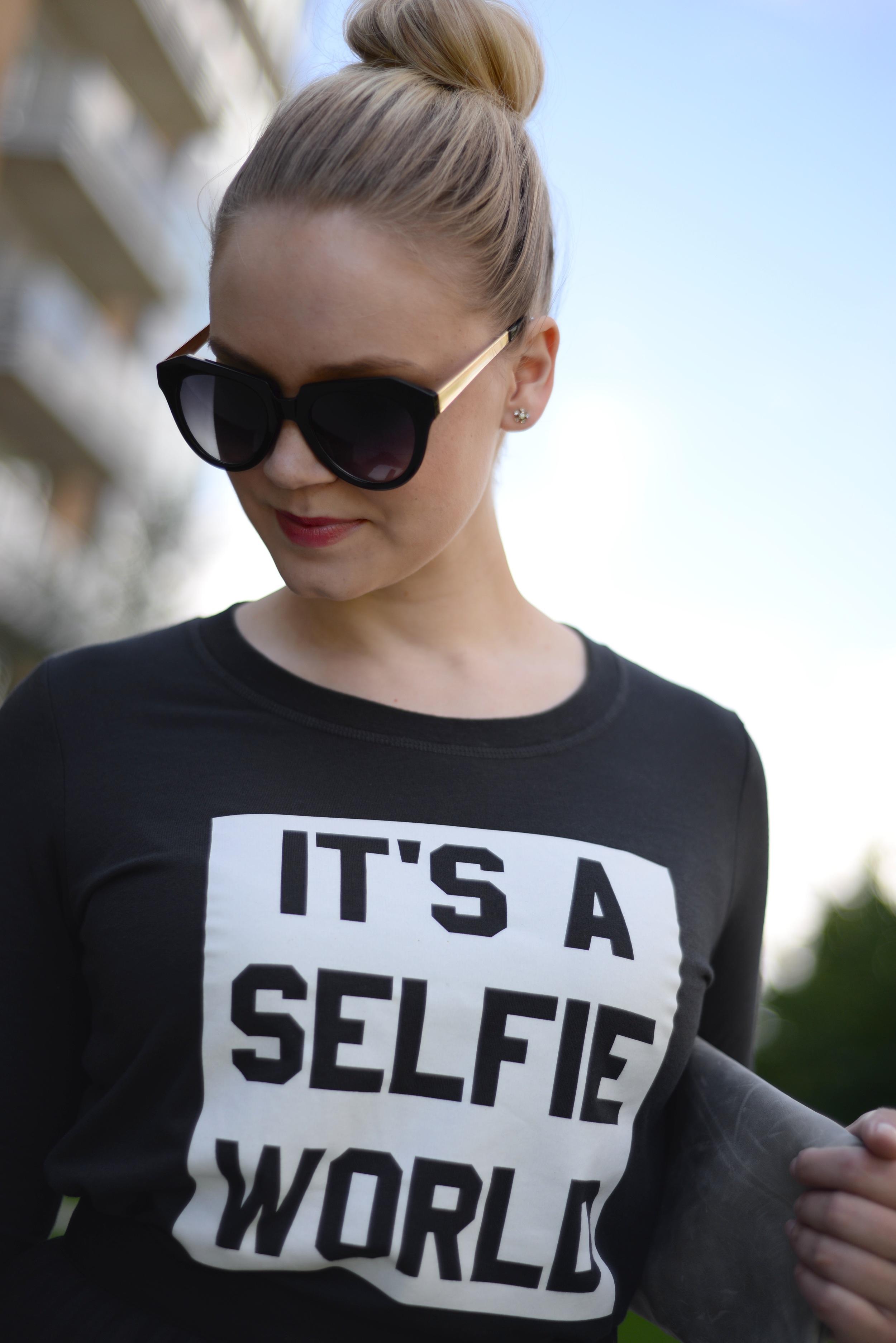 selfie top