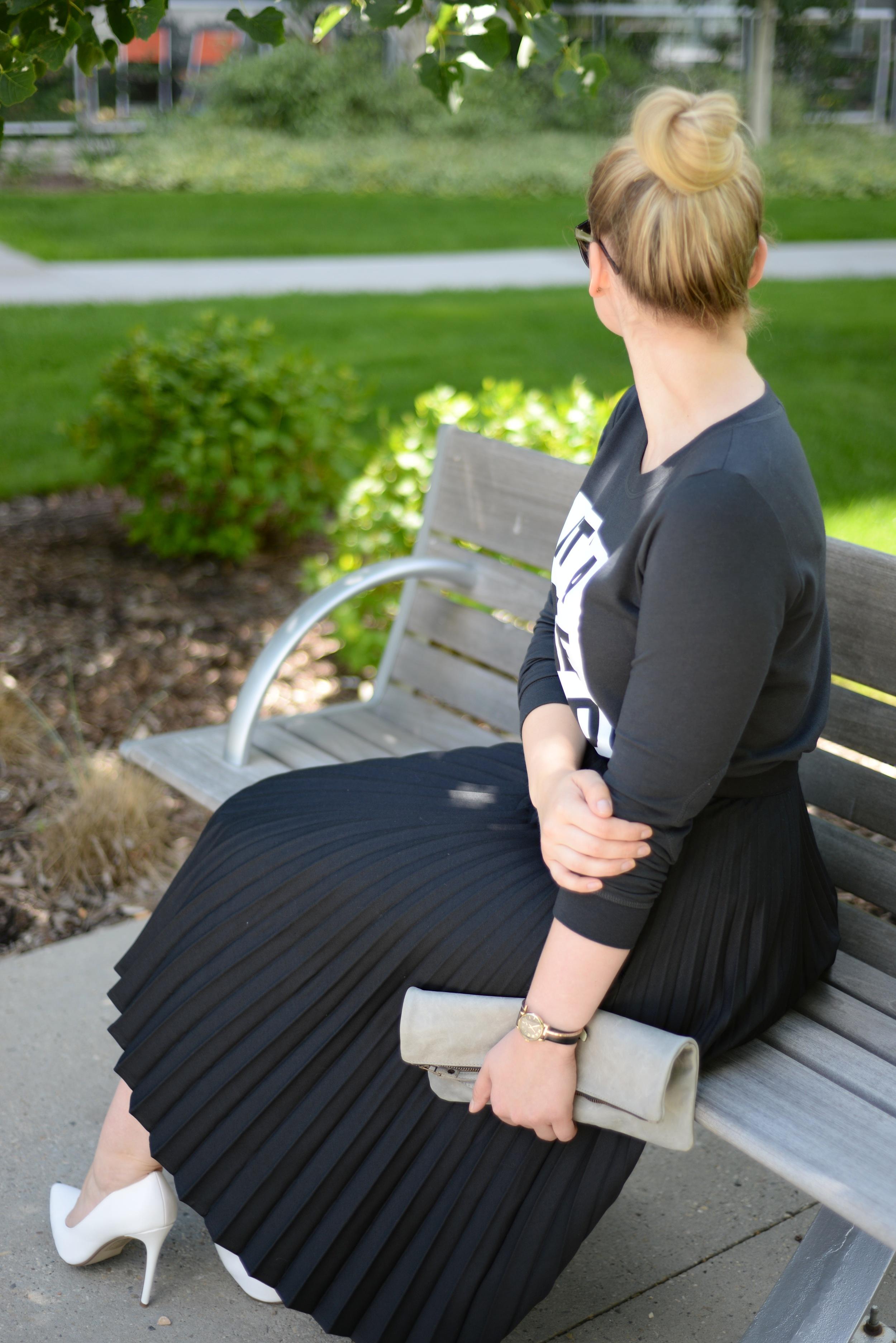 black skirt for summer style
