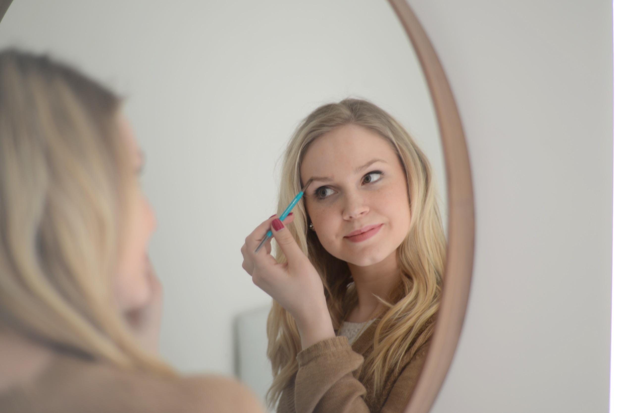 vegan and toxin free cosmetics