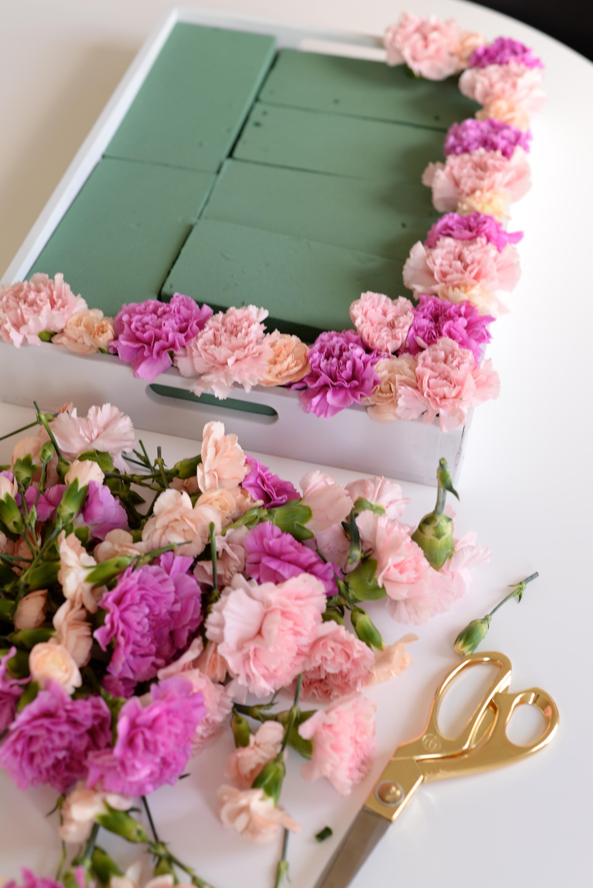 Floral centerpiece DIY