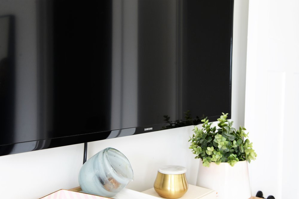 best tv for bedroom