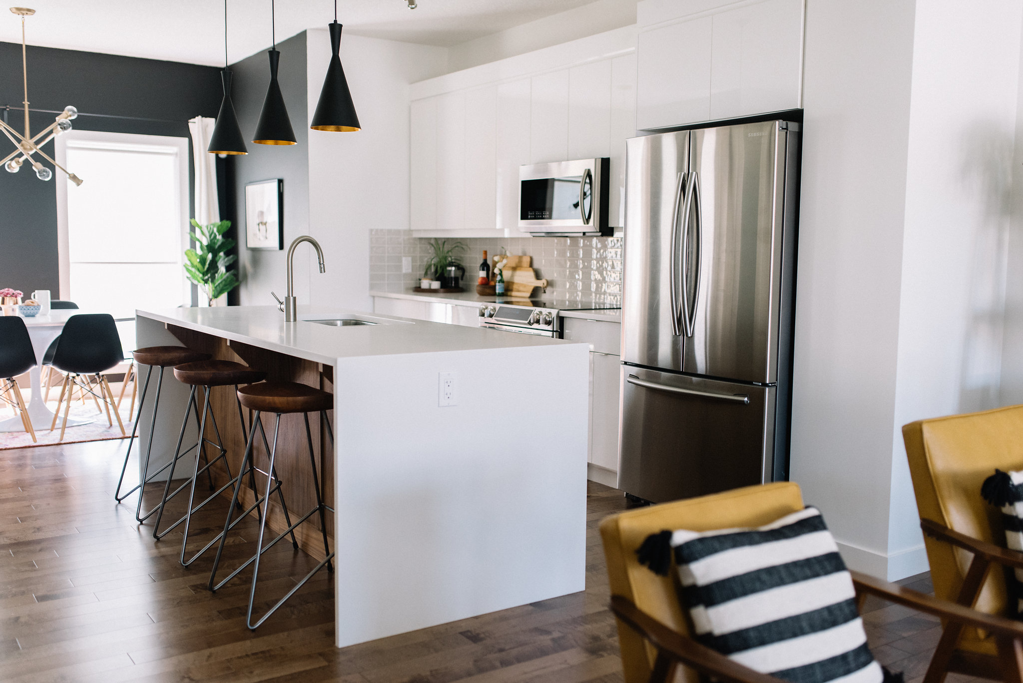 white high gloss kitchen