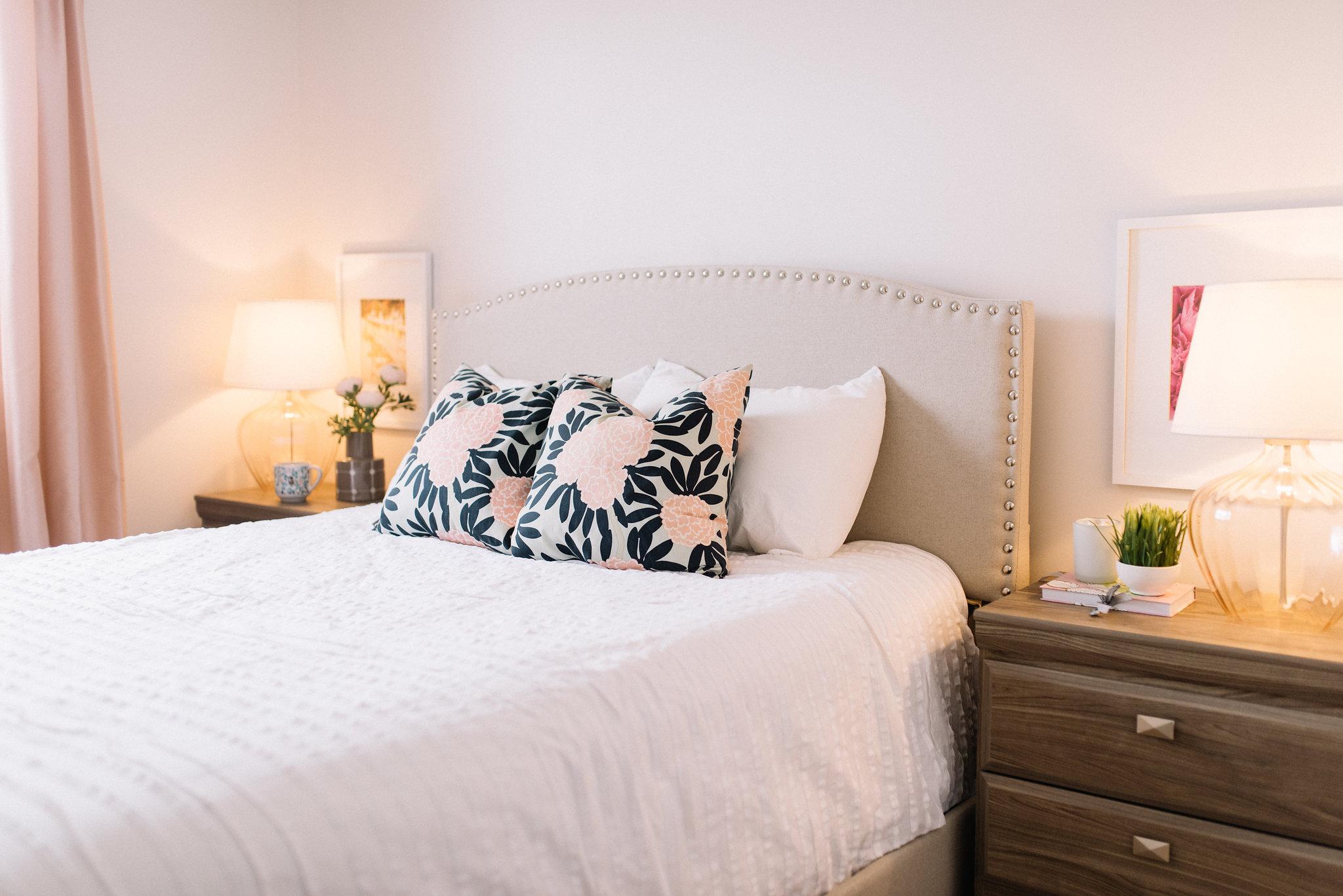 cozy bedroom lighting