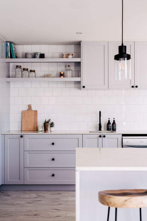 grey kitchen, square white backsplash