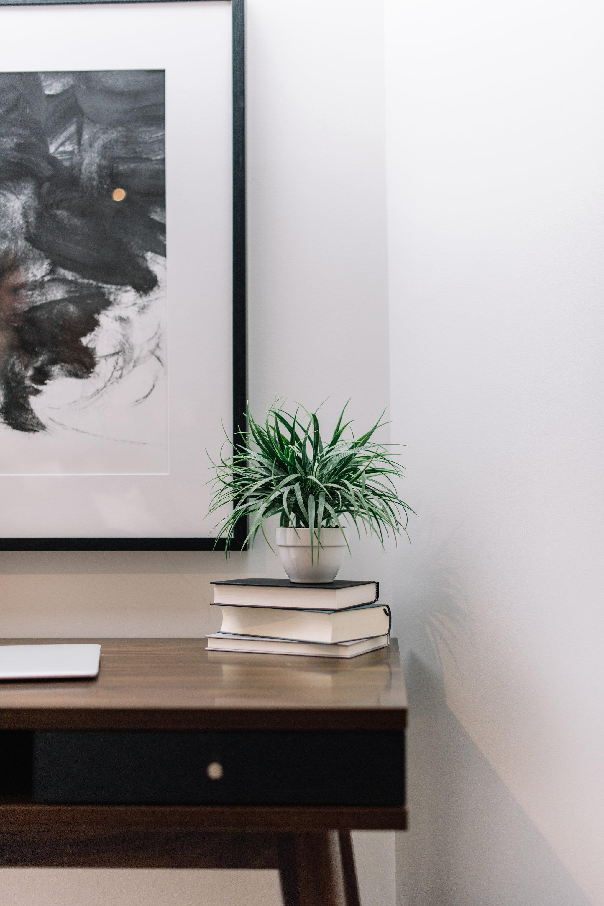 minimalist masculine office nook