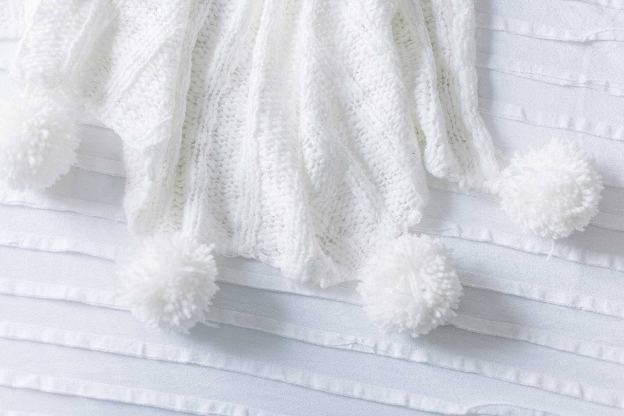 pom pom blanket DIY