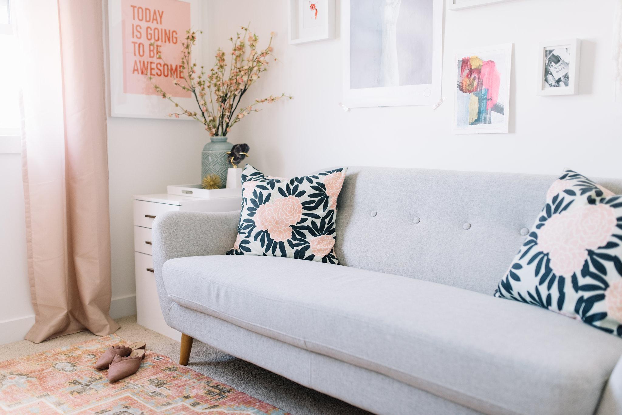 pink modern office