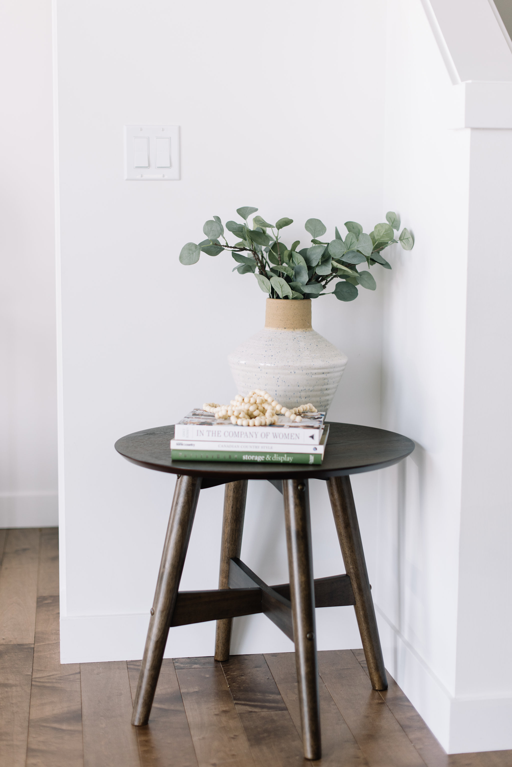 how to style a small side table