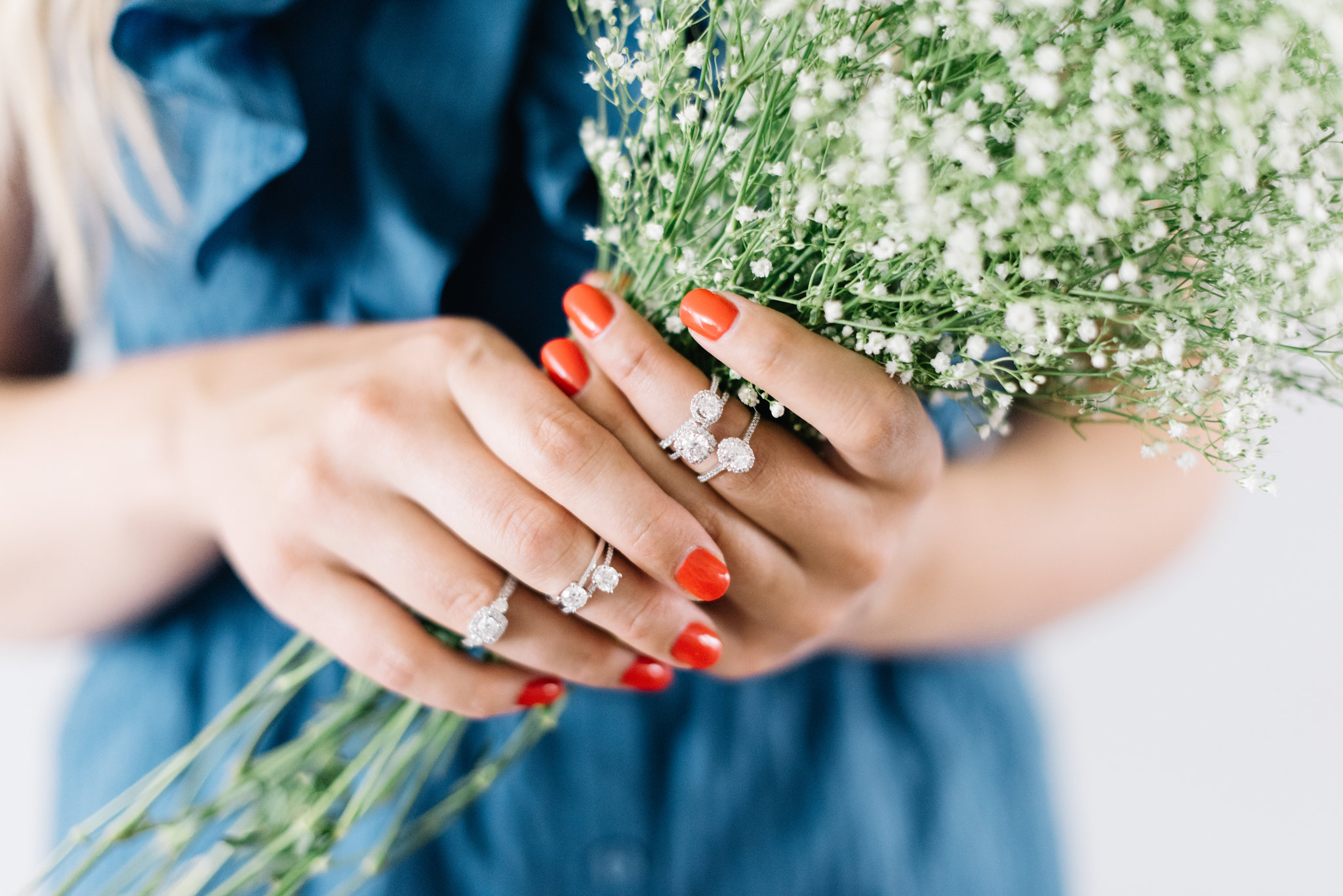 minimalist and modern engagement ring styles