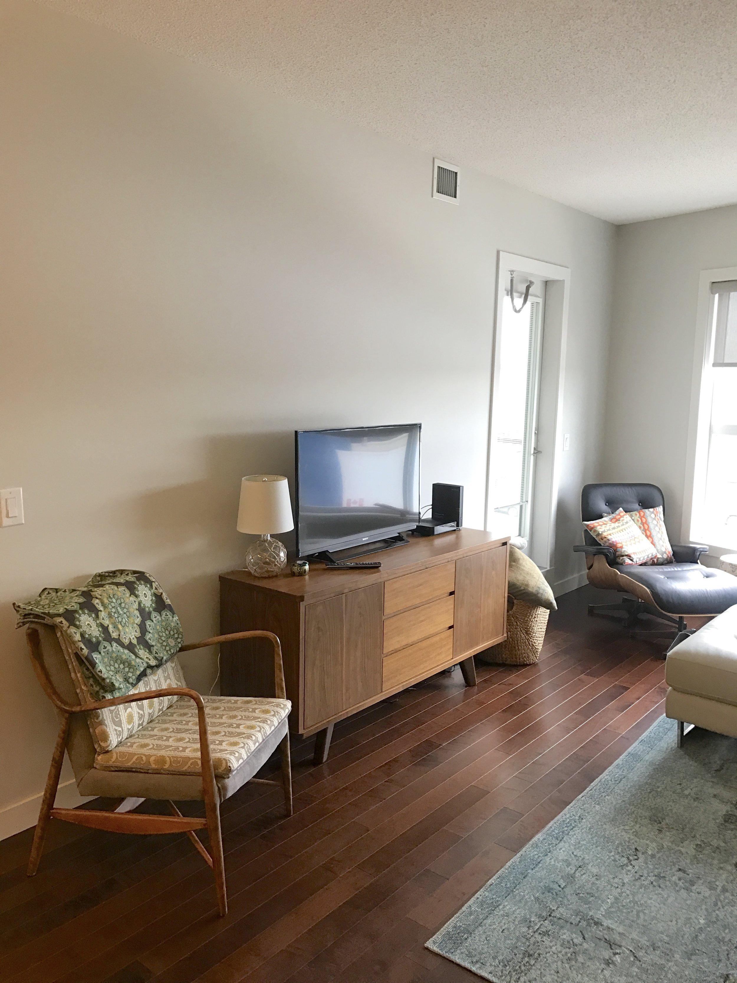 living room renovation before photo.JPG