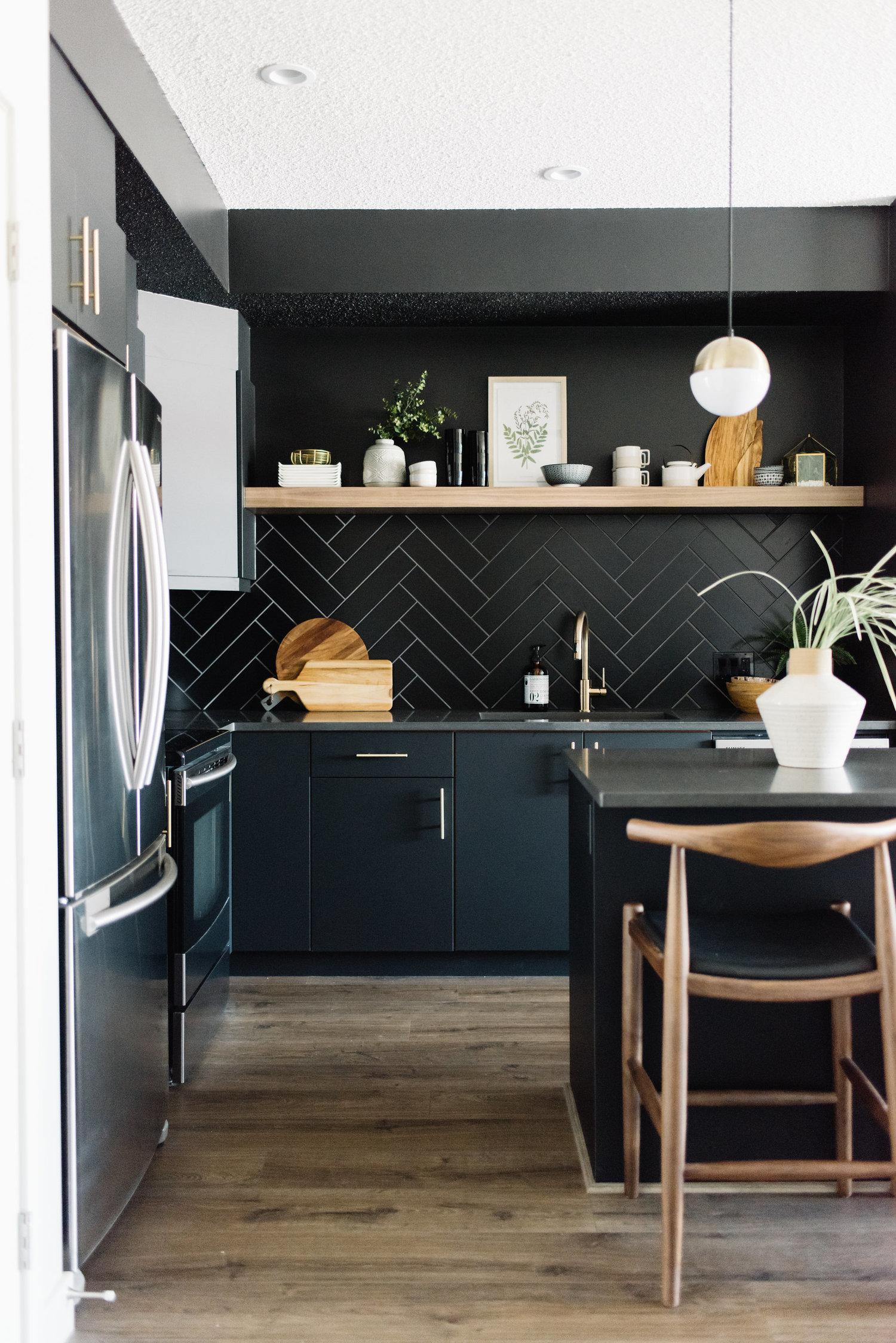 black modern kitchen