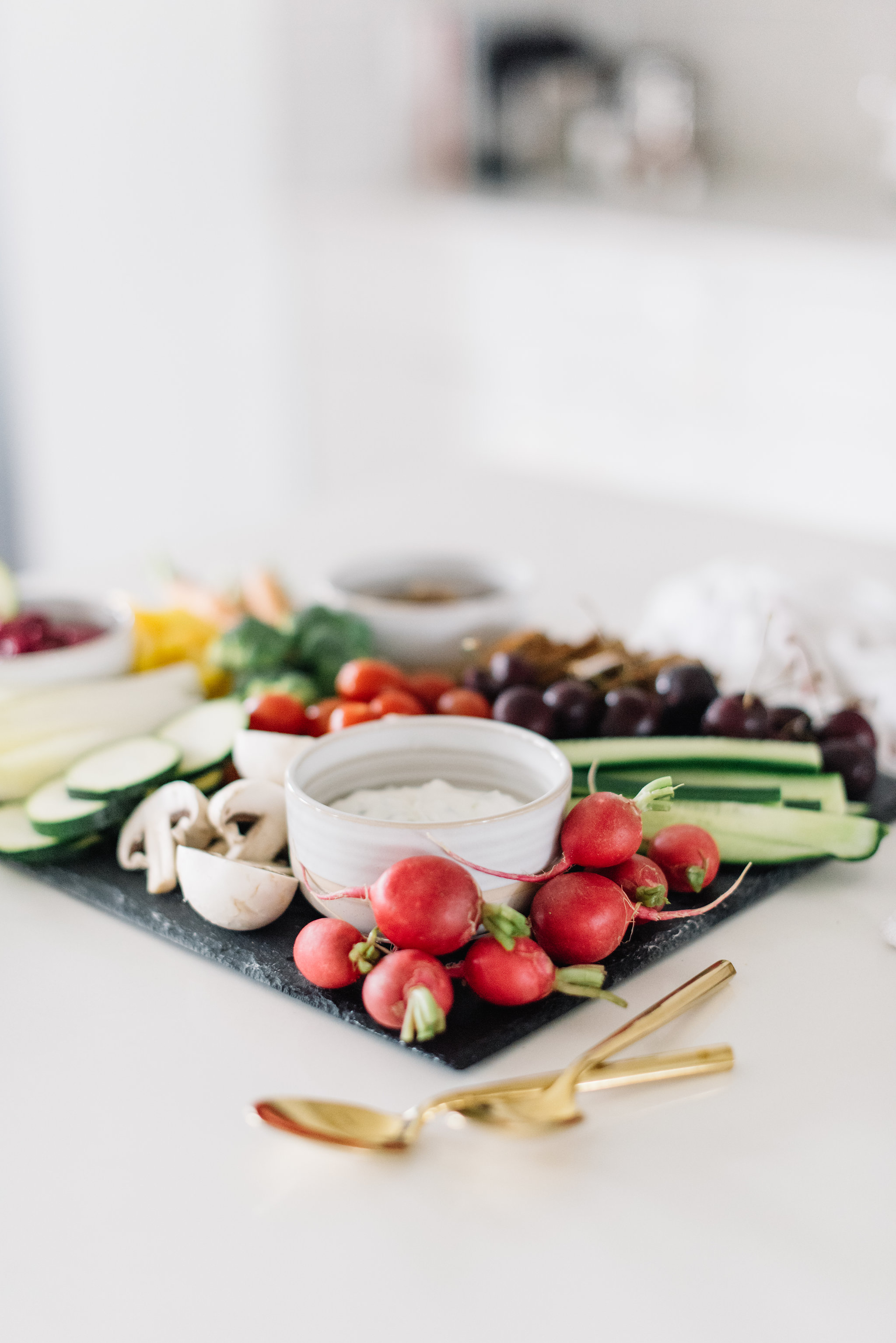 easy entertaining idea, crudité board
