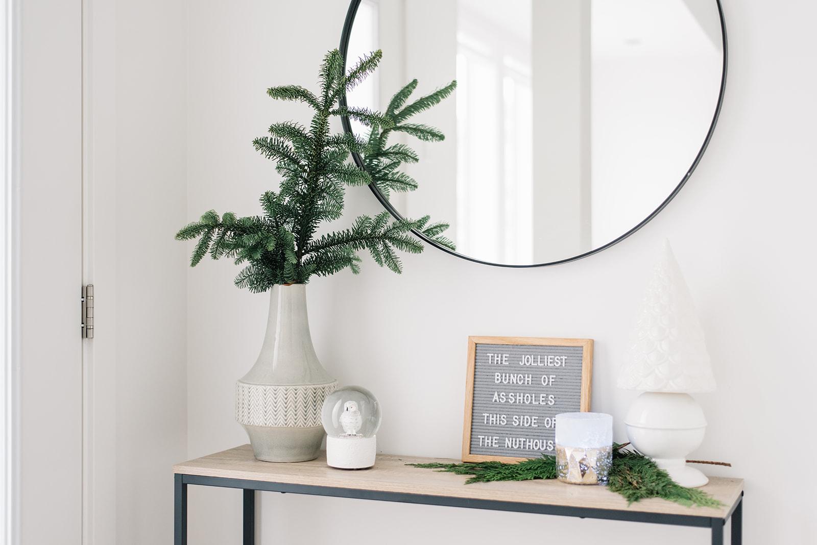 minimalist modern holiday decor