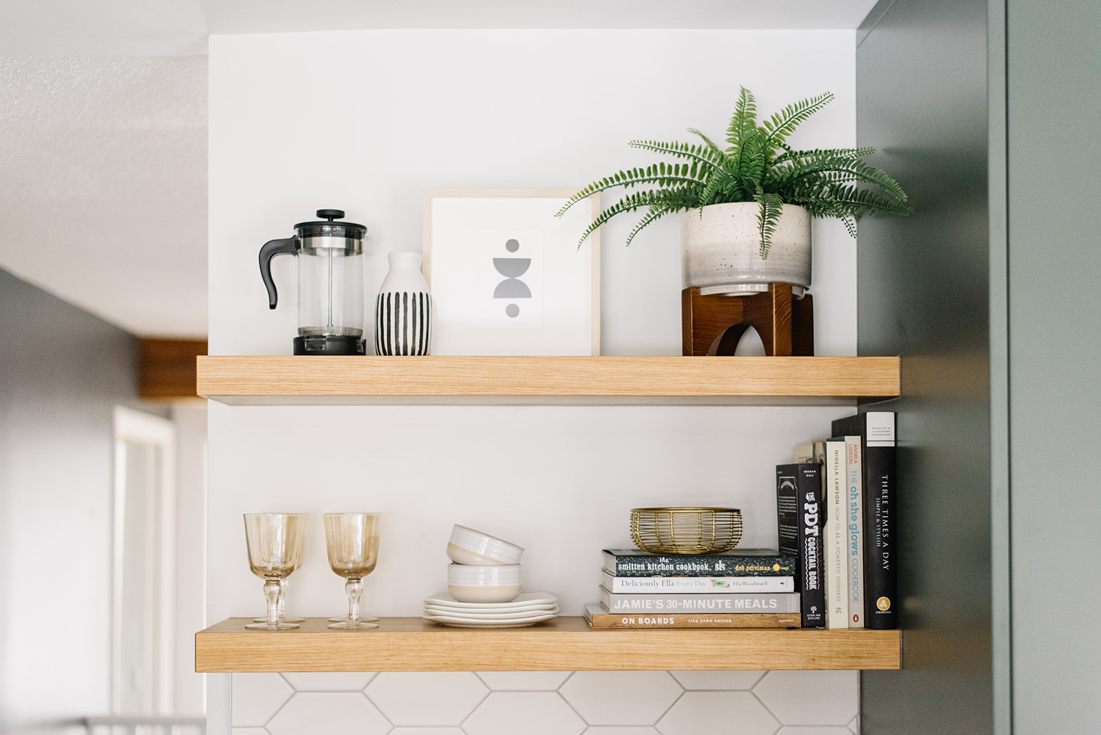 kitchen open shelf styling