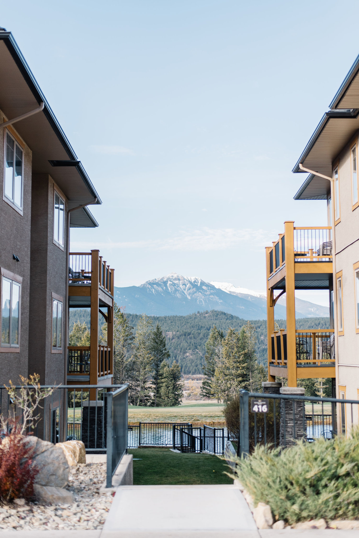 where to stay in radium bc