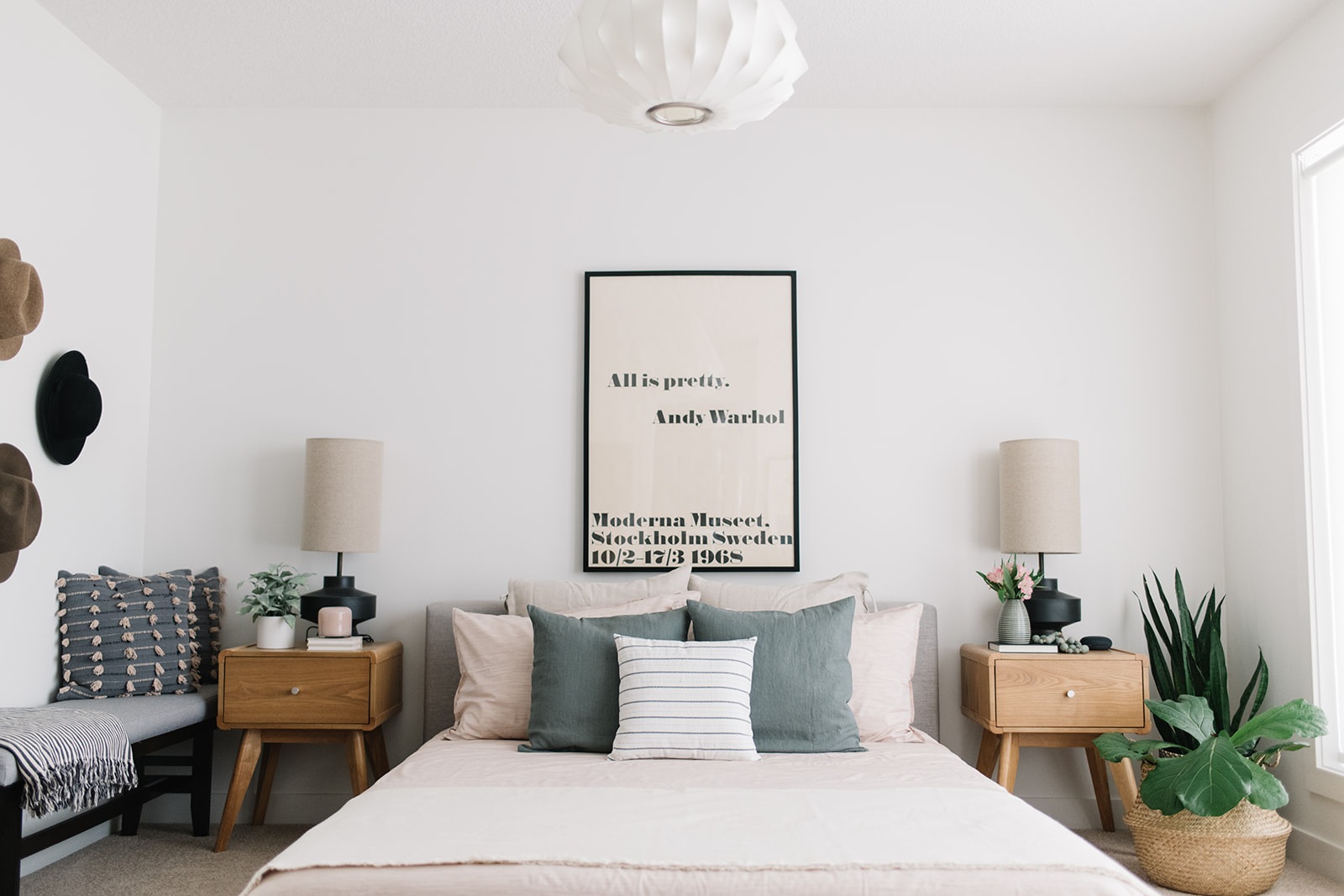 minimalist bedroom, blush bedding