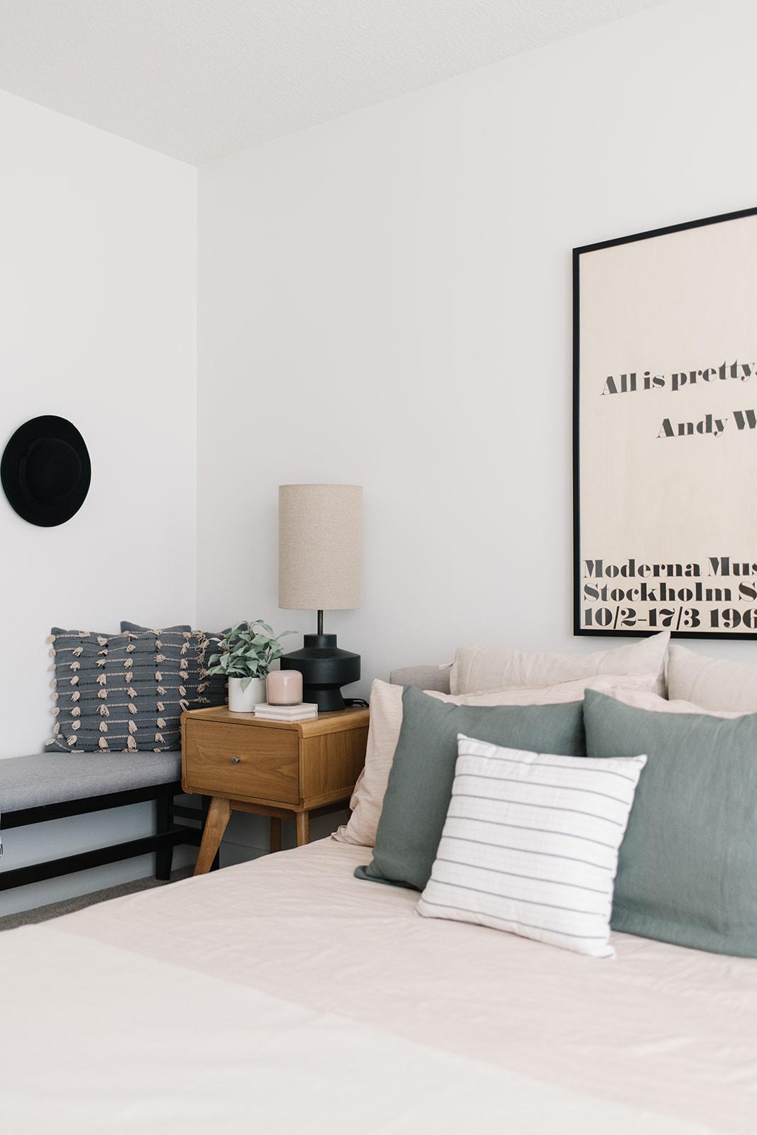 minimalist bedroom, bedroom with blush bedding