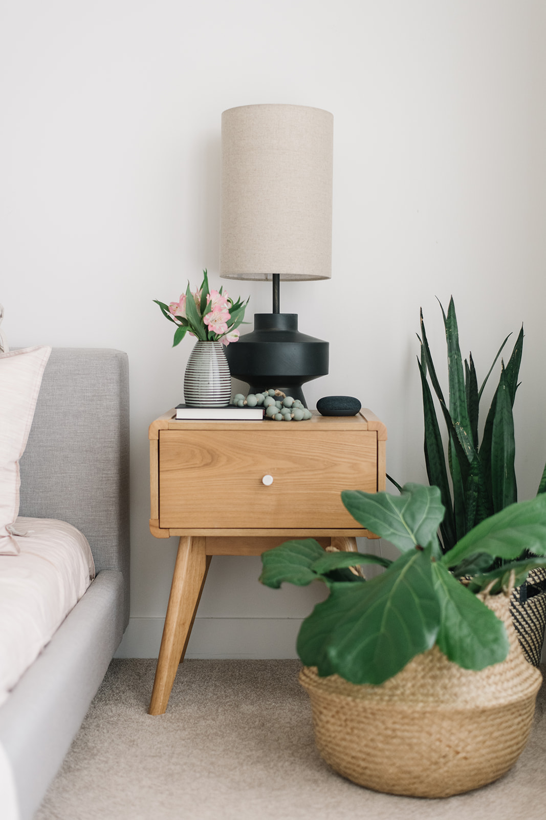 mid century modern bedroom, bedside table styling