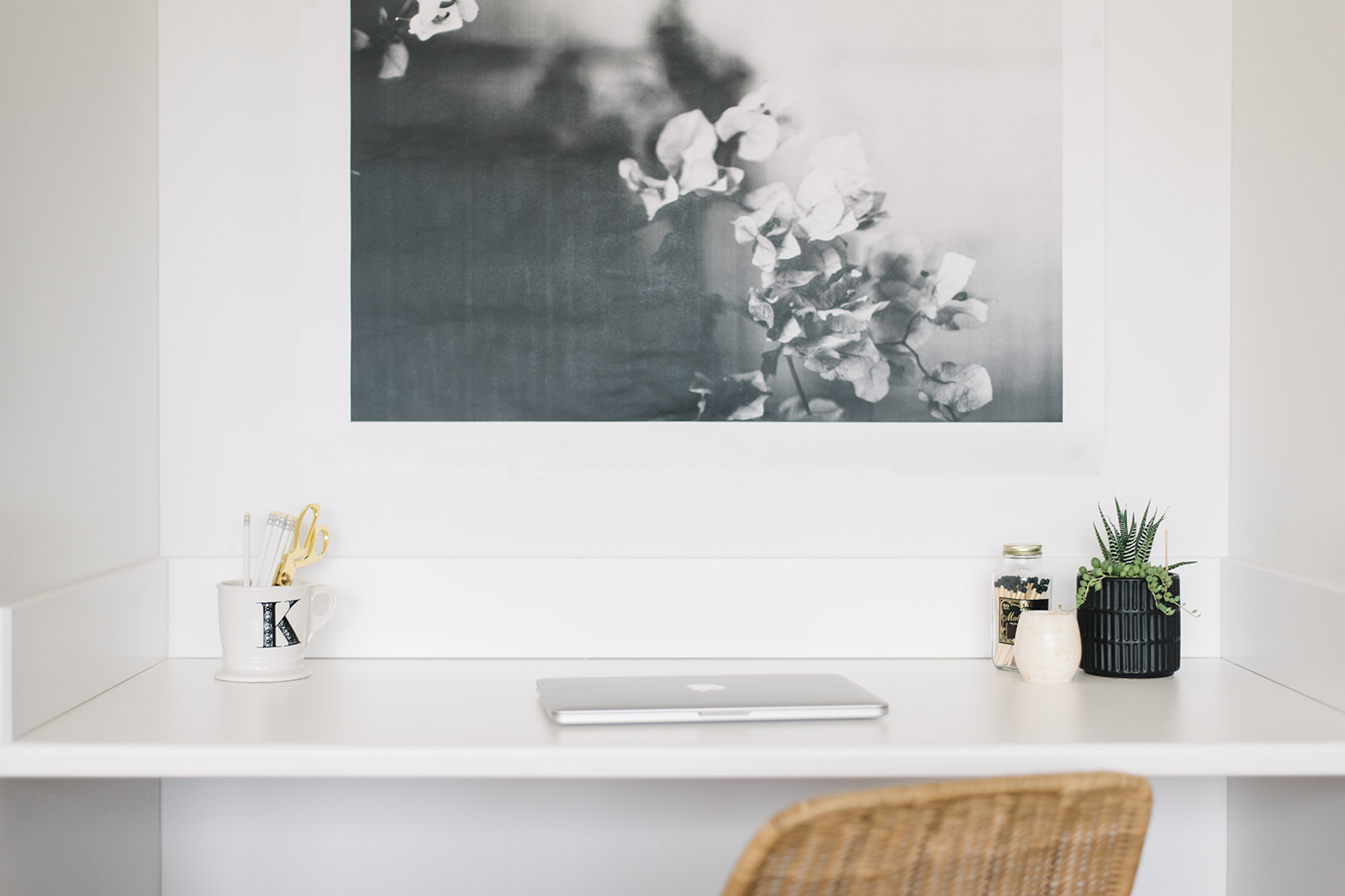 small space desk styling