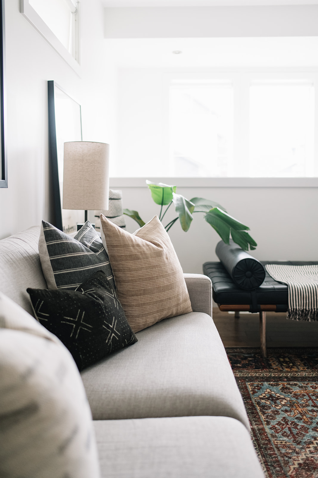 pillow styling, modern living room