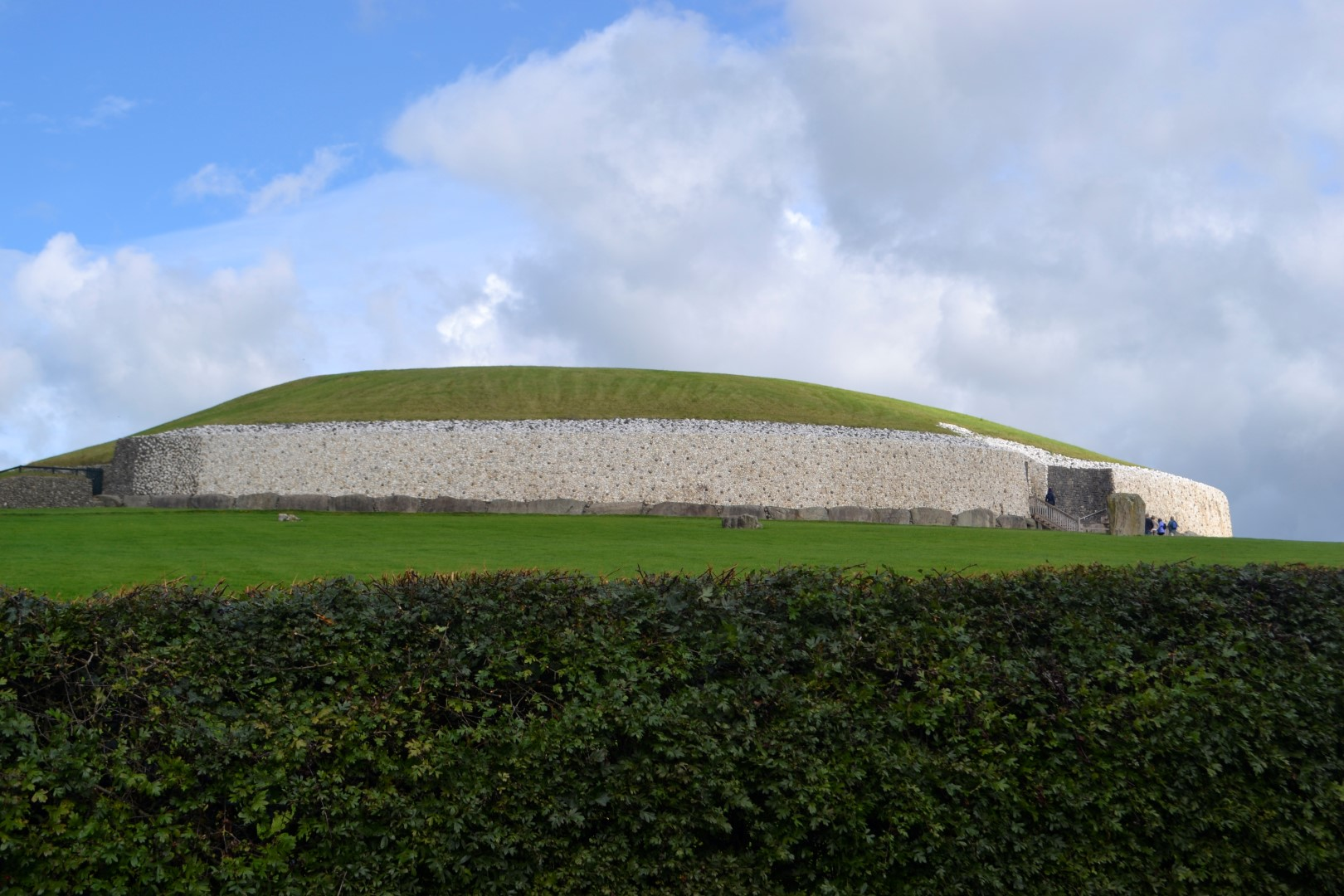 Newgrange Passage Tomb, Bru na Boinne, Ireland (photo: Andy Bruner)