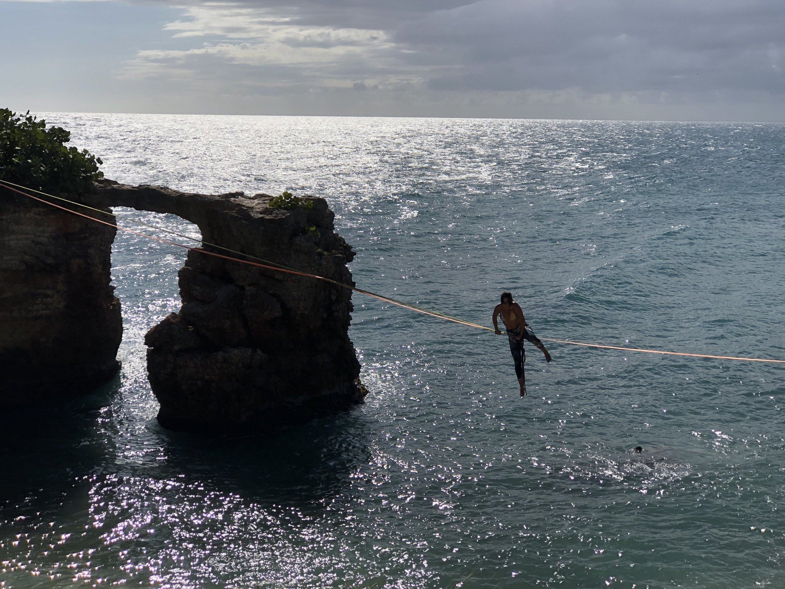 Slack liner, Faro los Morrillos, Puerto Rico (photo, Andy Bruner)