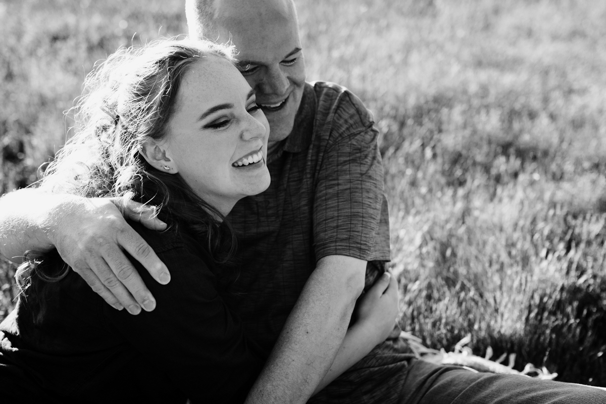 father daughter hugging seattle photographer
