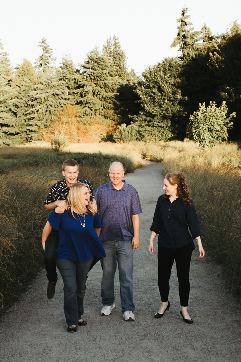piggy back family photography
