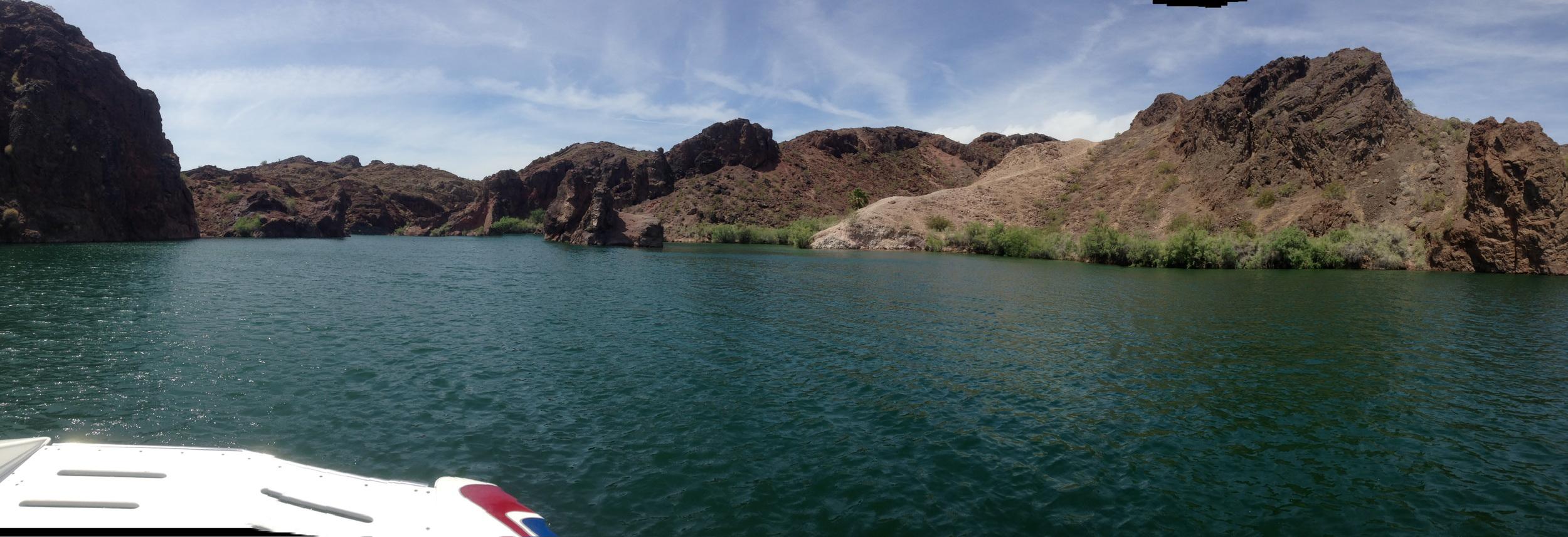 LAKE HAVASU, AZ // IMAGES BY @LIL_EEEEEEEEE // IM ON A BOAT!
