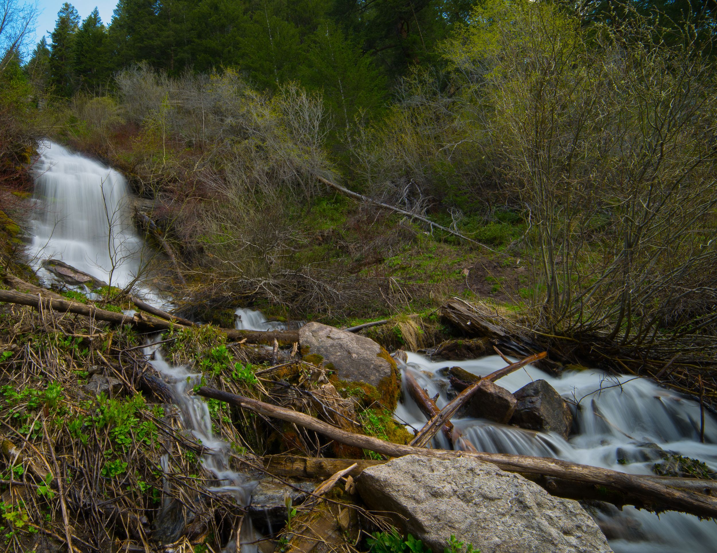 THE FIRST VIEW OF EAST VAIL WATERFALLS // IMAGE BY FRANKIEBOY PHOTOGRAPHY