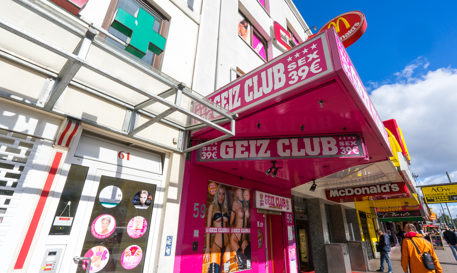 THE SEX CLUBS IN THE REEPERBAHN DISTRICT // MEET YOU THERE IMAGES