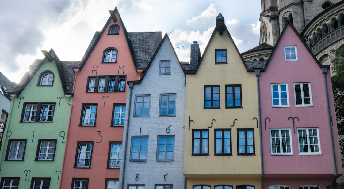 THE COLORFUL HOUSES, KÖLN, GERMANY // MEETYOUTHERE.ME