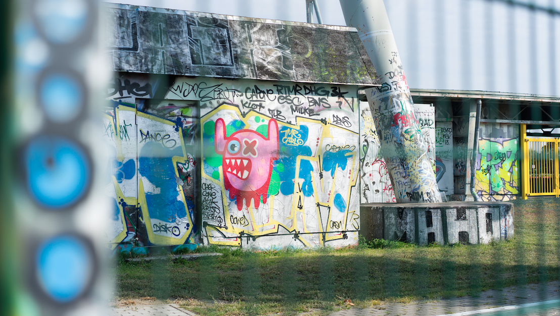 THE STREET ART OF BERLIN, GERMANY NEAR THE MAUER MARKET // IMAGE FOR MEETYOUTHERE.ME